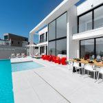 Villa oro _piscina y vivienda