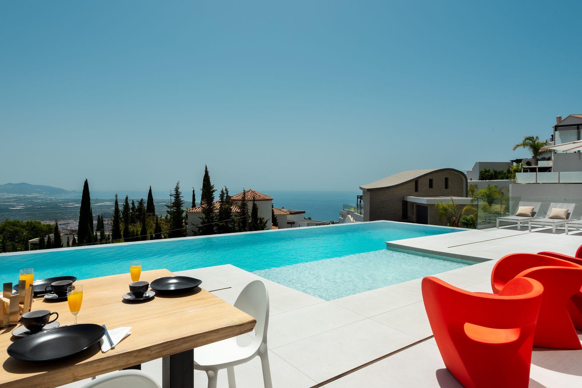 Villa Oro terraza y piscina